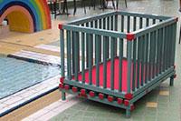 Neue Laufställe im Kinderbereich